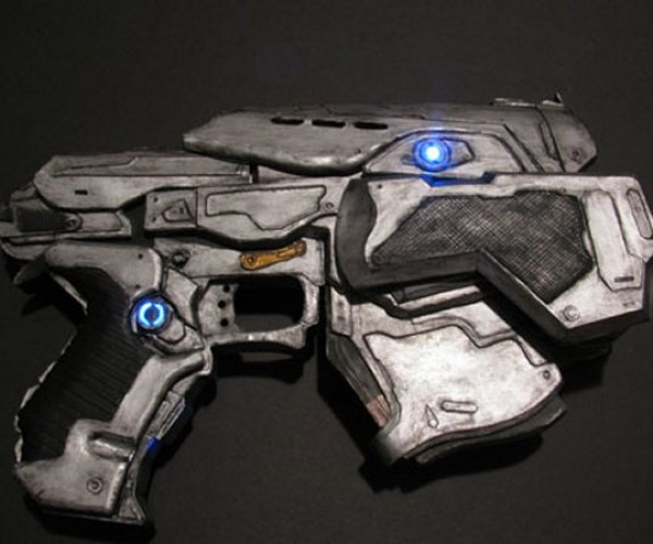 Gears of War Papercraft Snub Pistol Still Won't Kill Berzerkers