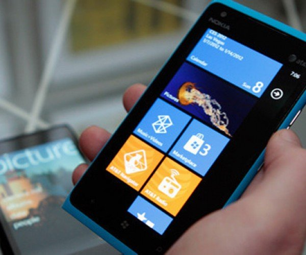Nokia Lumia 900 4G LTE Windows Phone Enters the Smartphone Wars
