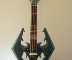 Skyrim Dragonborn Mandolin: This Axe Really Slays 'Em