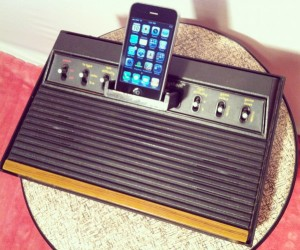 Atari 2600 Speaker Dock: iTunes Goes 8-Bit