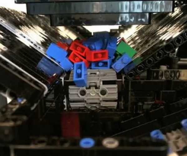Brickit Builds a Mini LEGO-Sorting Factory