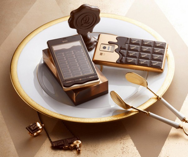 Q-Pot Chocolate Bar Smartphone for Candy-Coated Calling