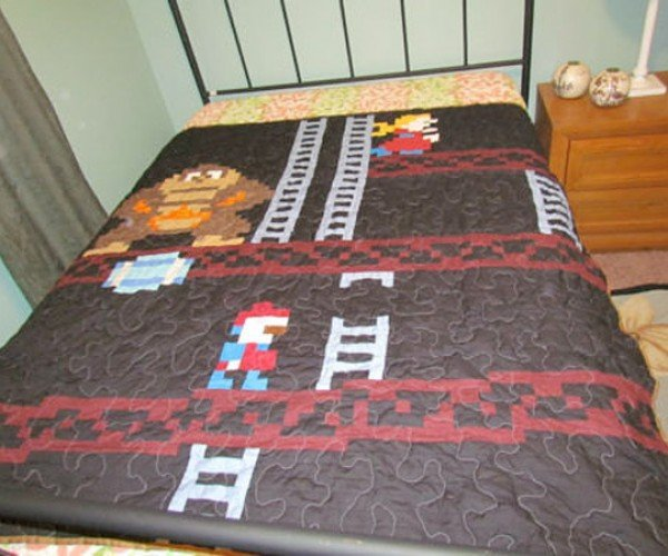 Donkey Kong Quilt… So That's How Billy Mitchell Scores in Bed