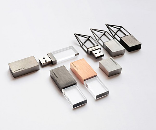 Empty Memory USB Jewelry Will Also Empty Your Wallet