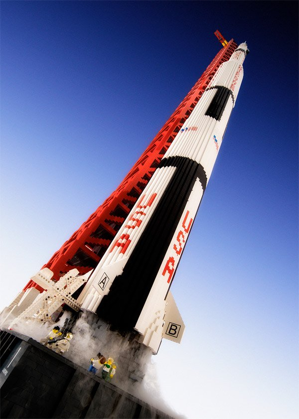giant lego saturn rocket 2