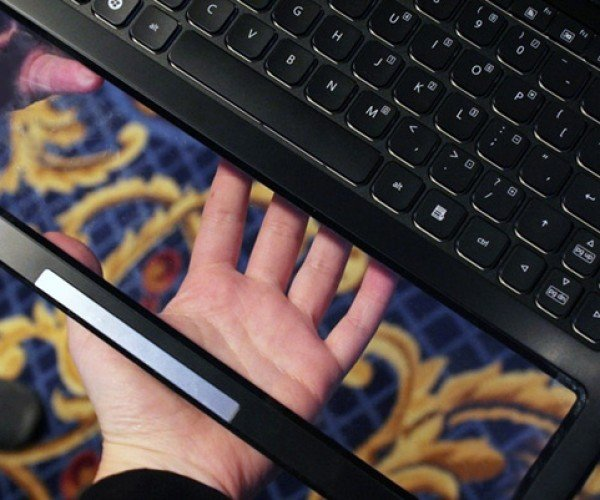 Intel Nikiski Laptop Gets Transparent Touchpad, Lets You See Through to Your Crotch