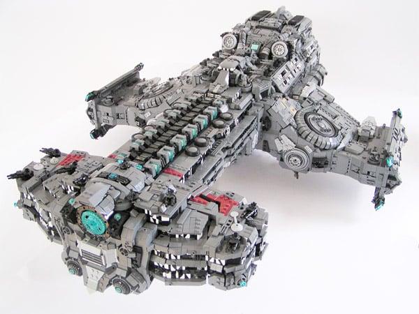 lego_hyperion_battle_cruiser_1