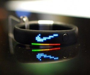 Nike+ FuelBand Tracks: Activity Tracking in a Snap