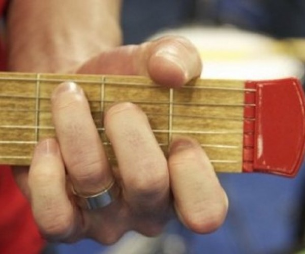 Pocketstrings Helps You Learn Guitar by Putting the Frets in Your Pocket