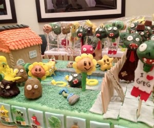 Plants vs. Zombies Cake: Eat Some Braaaains (and Sugaaaar!)