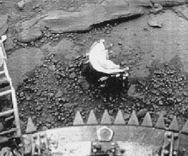 Do Russian Probe Pics from '82 Prove Life on Venus?