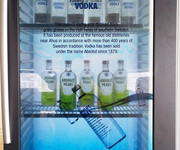 Absolut Transparency: Samsung Shows Off 46-inch See-Through LCD on Liquor Display