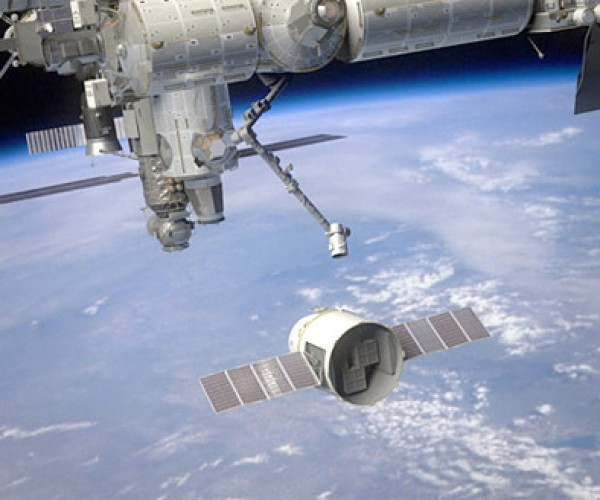 SpaceX Dragon Gets Ready for Run to ISS in February