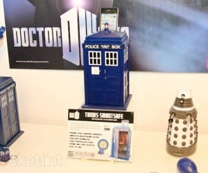 TARDIS and R2-D2 Safes Secure Your Stuff Through the Power of Science Fiction