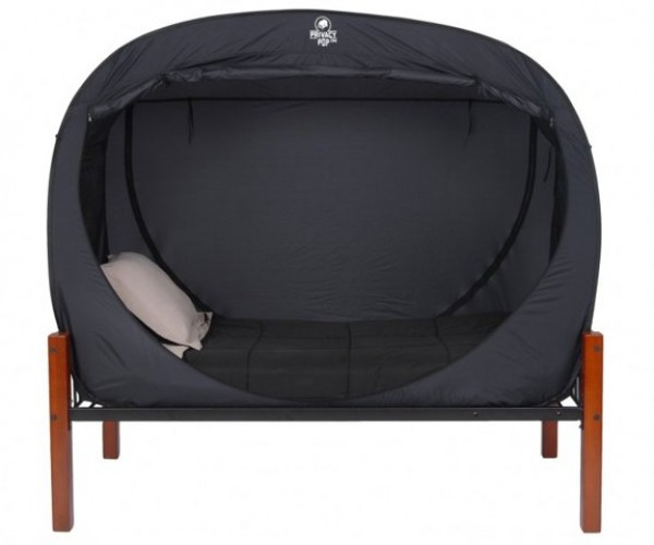 Privacy Pop: An Indoor Tent for Your Bed