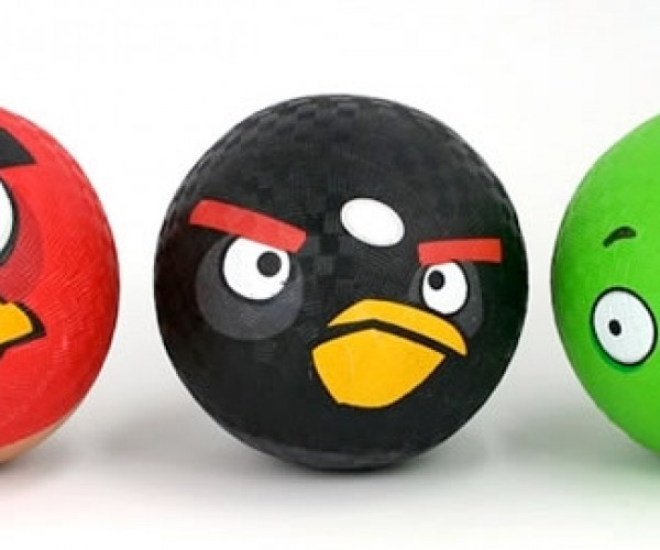 Angry Birds Playground Balls: Kick Some Birds Around