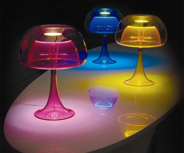 Aurelia LED Lamp Looks Like a High-Tech Jellyfish