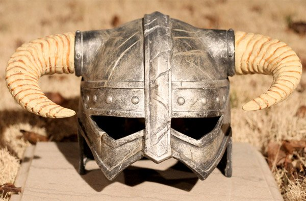 dragonborn_skyrim_helmet_2
