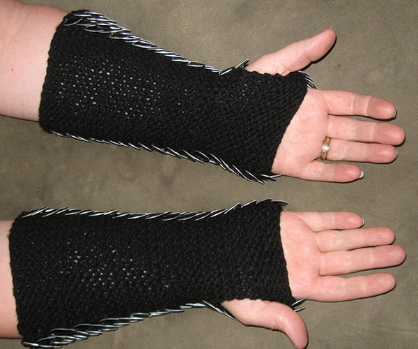 dragonhide gauntlets by crystals idyll 2