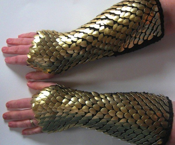 dragonhide gauntlets by crystals idyll 3