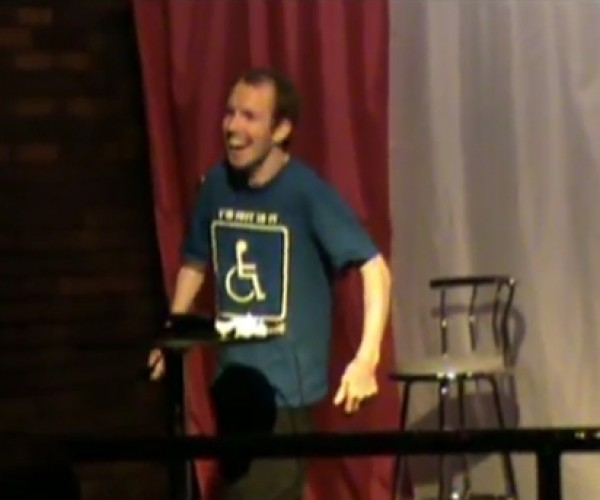 Voiceless Comedian Enlists iPad as Sidekick, Expected Hilarity Ensues