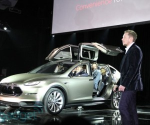 Tesla Charges Up New Model X SUV with Impressive Performance, Falcon-Wing Doors