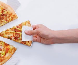Paper Dish: No More Greasy Pizza Fingers?