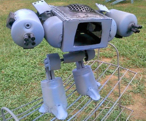 Robocop ED-209 Robot Recreated from Junk: Old Detroit Streets Still Not Safe
