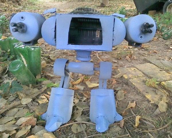 robocop_ed_209_junk_bot_2