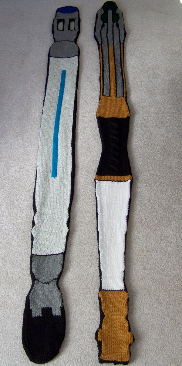 sonic_screwdriver_scarf_2