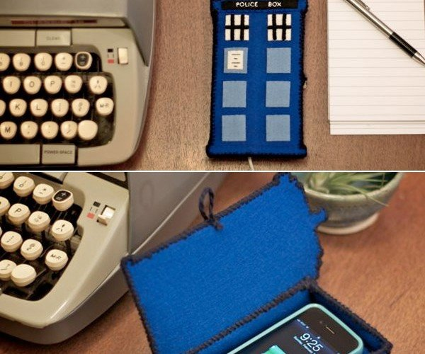 DIY TARDIS Charging Station is Literally a Phonebox