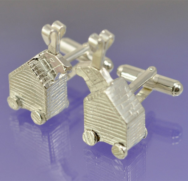 trojan_rabbit_cufflinks_1