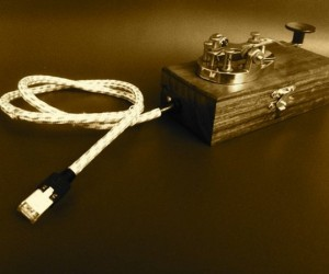 Tworse Telegraph Key Lets You Tweet in Morse Code