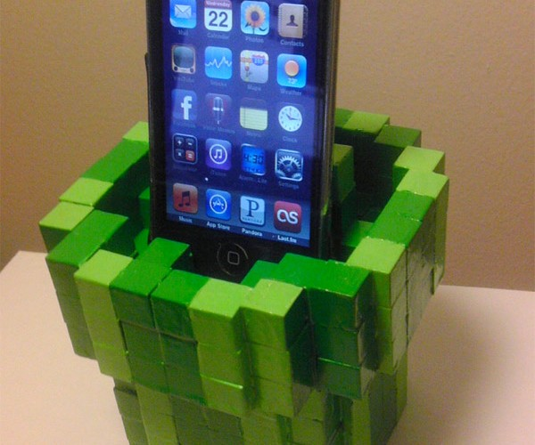Warp Pipe Cellphone Dock Still Doesn't Let You Play Mario on Your iPhone