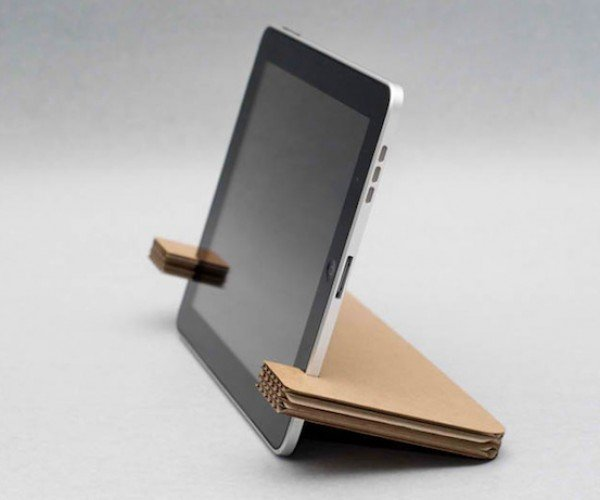 Weltunit Cardboard Gadget Stand: Just Don't Get it Wet