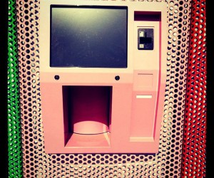 Automatic Cupcake Vending Machine: Dispenser of Delights