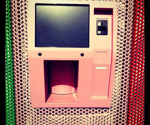Automatic Cupcake Vending Machine: Dispenser of Delights
