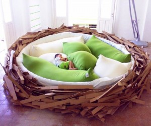 How Could You Be Angry in This Giant Birds' Nest Bed?