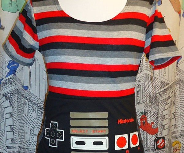 NES Controller Top: For Gamer Girls with 8-Bit Style
