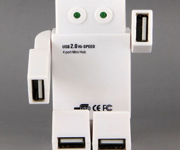 Robot USB Hub: No Transformer But Still Cooler than Yours