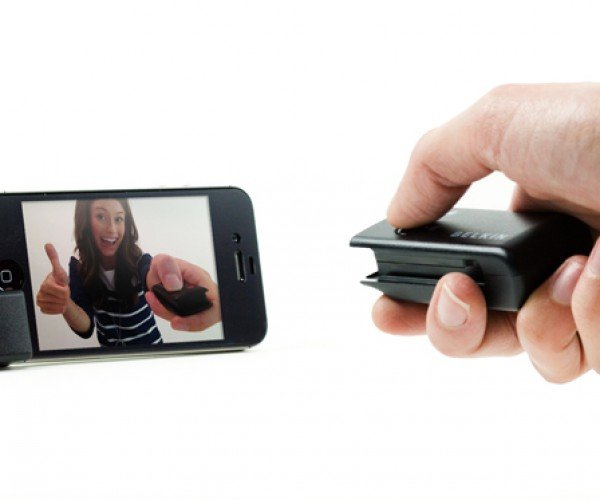Belkin LiveAction iOS Camera Remote Makes Sure You're Always in the Shot