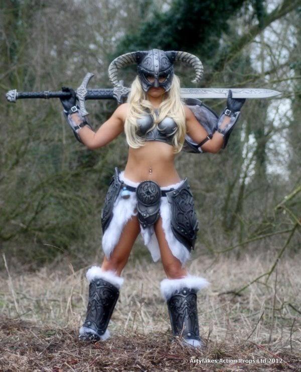 dovahkin_female_armor_2a