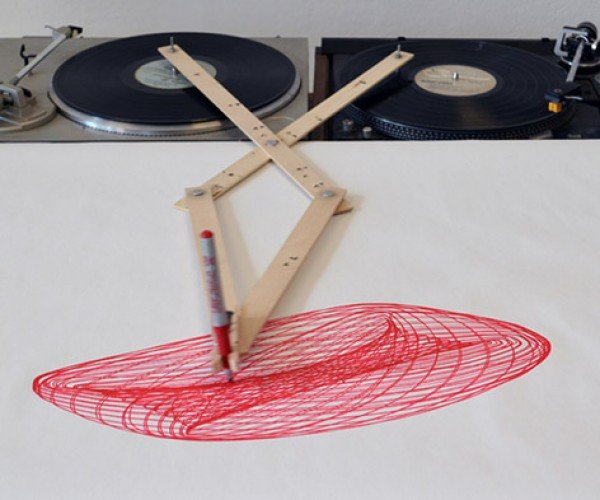Drawing Apparatus Turns Turntables into Spirograph Robot