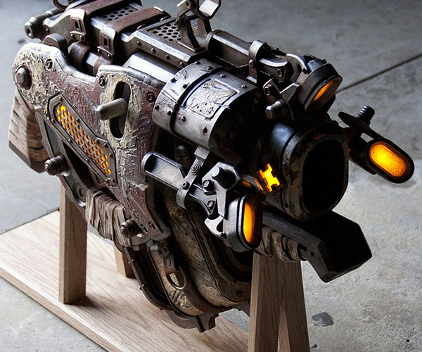 gears of war 3 digger launcher replica 4