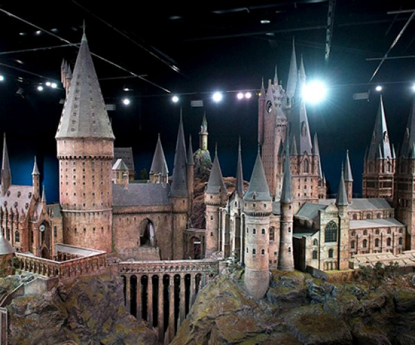 harry potter hogwarts castle scale model 2