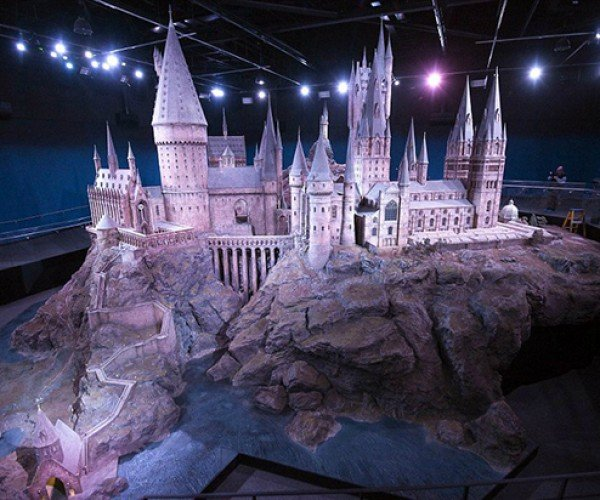 harry potter hogwarts castle scale model 3