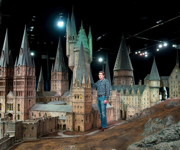 harry potter hogwarts castle scale model