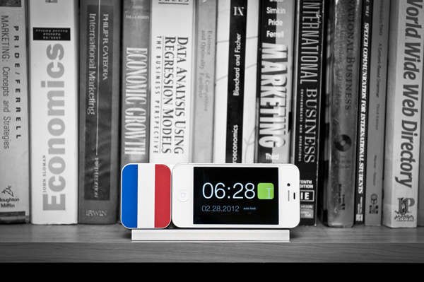 ideal timepiece kickstarter dock iphone france