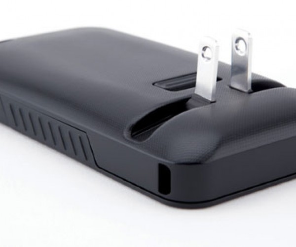 JuiceTank Case Means You Never Need to Carry an iPhone Charger