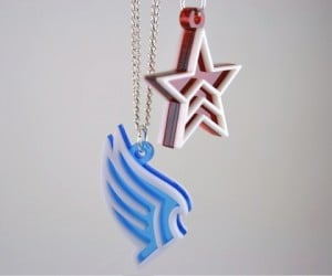 Paragon and Renegade Mass Effect Pendant Necklaces: Nice Guys Finish Last